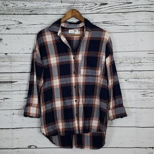 3/$15 Old Navy boyfriend flannel shirt size small